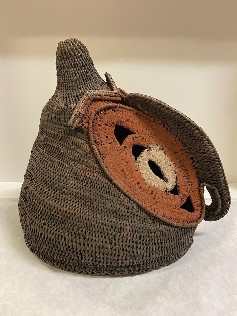 1_Abelam-artist-Middle-Sepik-River-region-Prince-Alexander-Mountains-Papua-New-Guinea-Melanesia-Oceania-Mask-baba-mid-20th-century-prior-to-1960-vine-lygodium-and-pigment-side-view